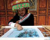 黄晓燕--白沙锦绣艺术院黎明傈僳族传习院的佼佼者,民族的才是世界的