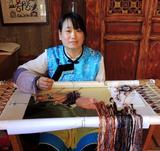 """杨金兰--白沙锦绣艺术院彝族刺绣大师,""""刺绣功夫就是在方法正确后时间的积累"""""""