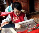 康艳萍--白沙锦绣艺术院刺绣文化、设计、实作高级老师